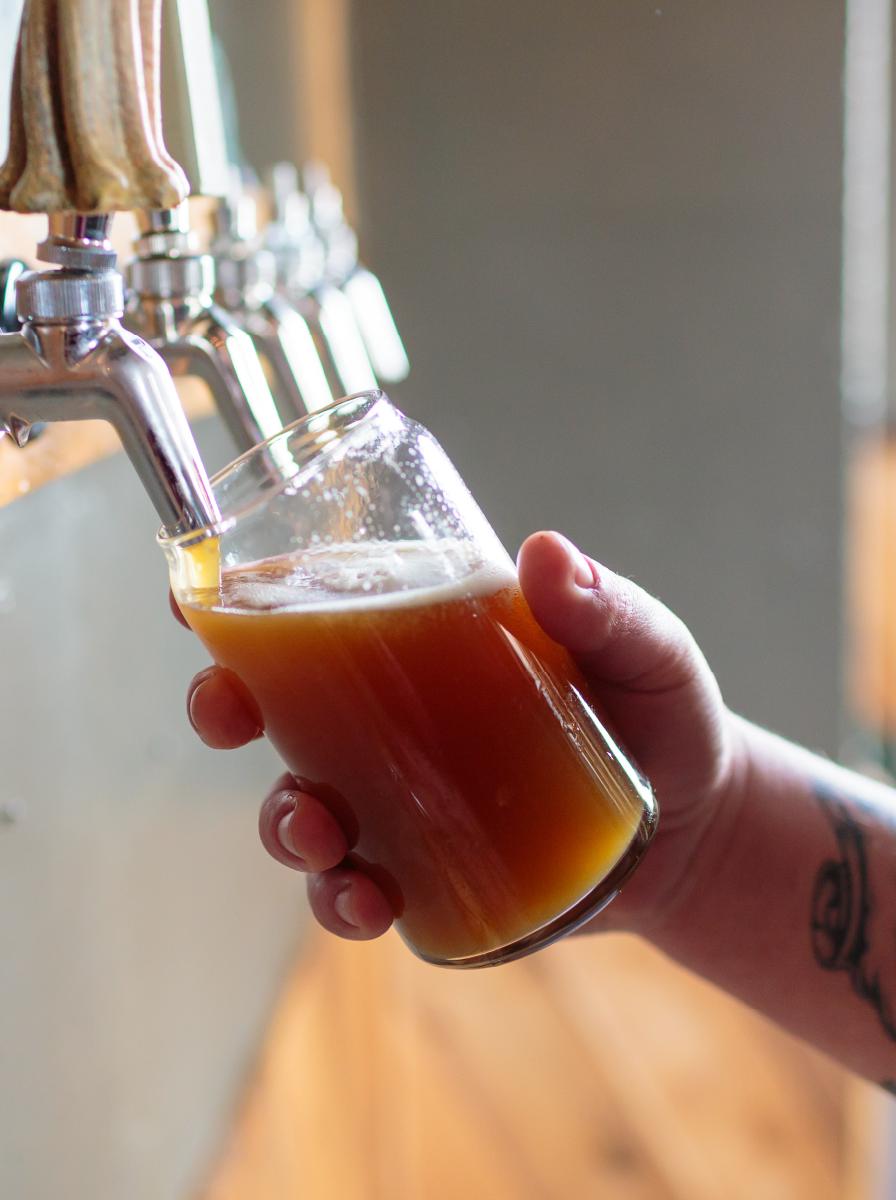 http://mountaineerstaphouse.com/wp-content/uploads/2018/01/beer-tap.jpg