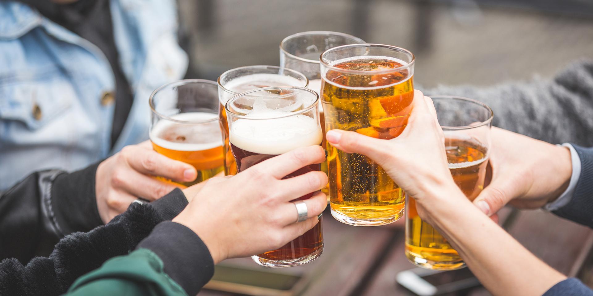https://mountaineerstaphouse.com/wp-content/uploads/2018/01/beer-Cheers1.jpg